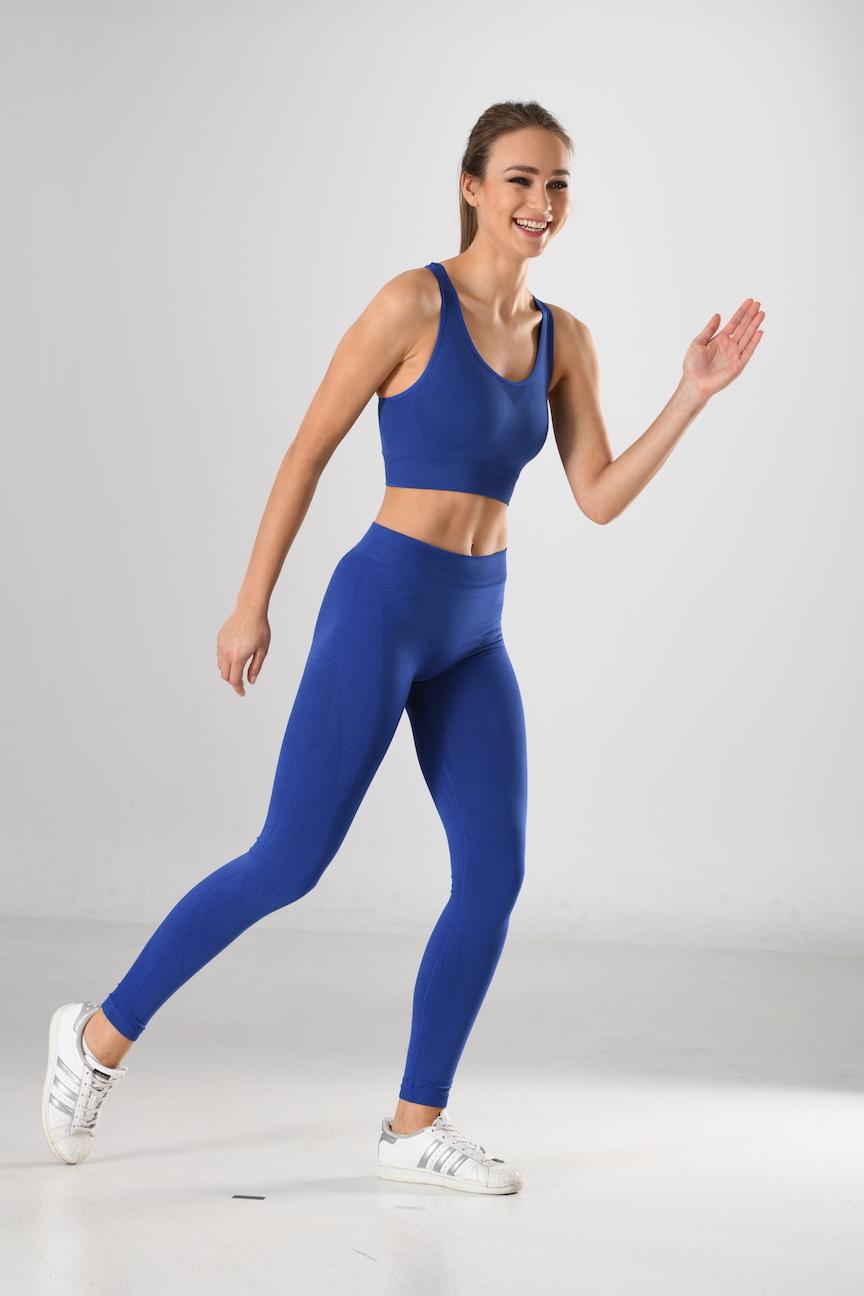 Sport-Bra und Sport-Leggings blau