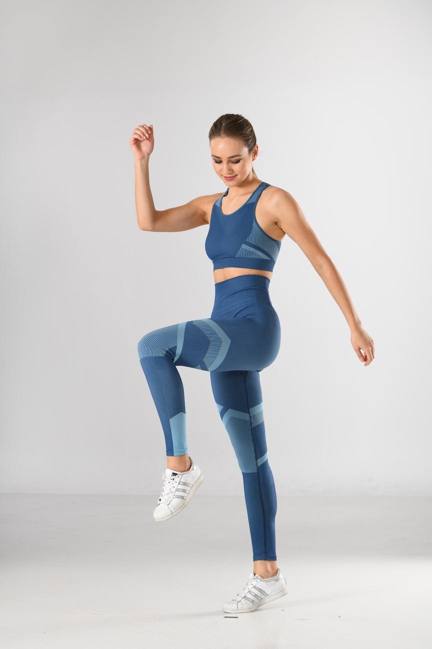 Sport-Bra und Sport-Leggings blau/hellblau